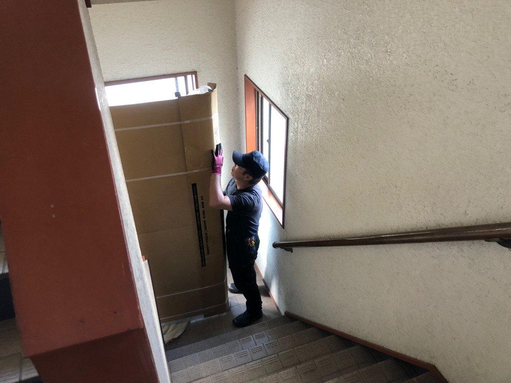 パラマウントベッド インタイム1000搬入 寝蔵 2階 外階段