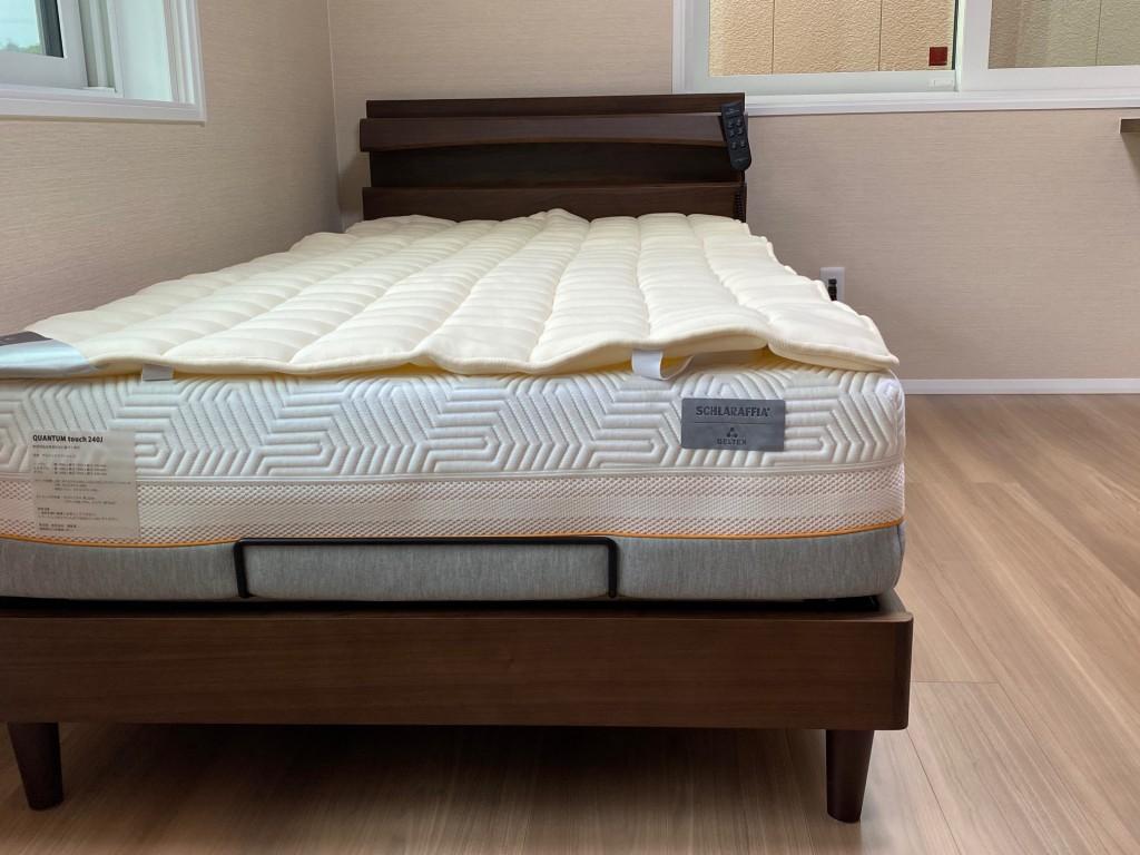 ビラベック羊毛ベッドパッドを重ねると、保温力+吸湿性がアップします!マットレスも長持ちしますよ。