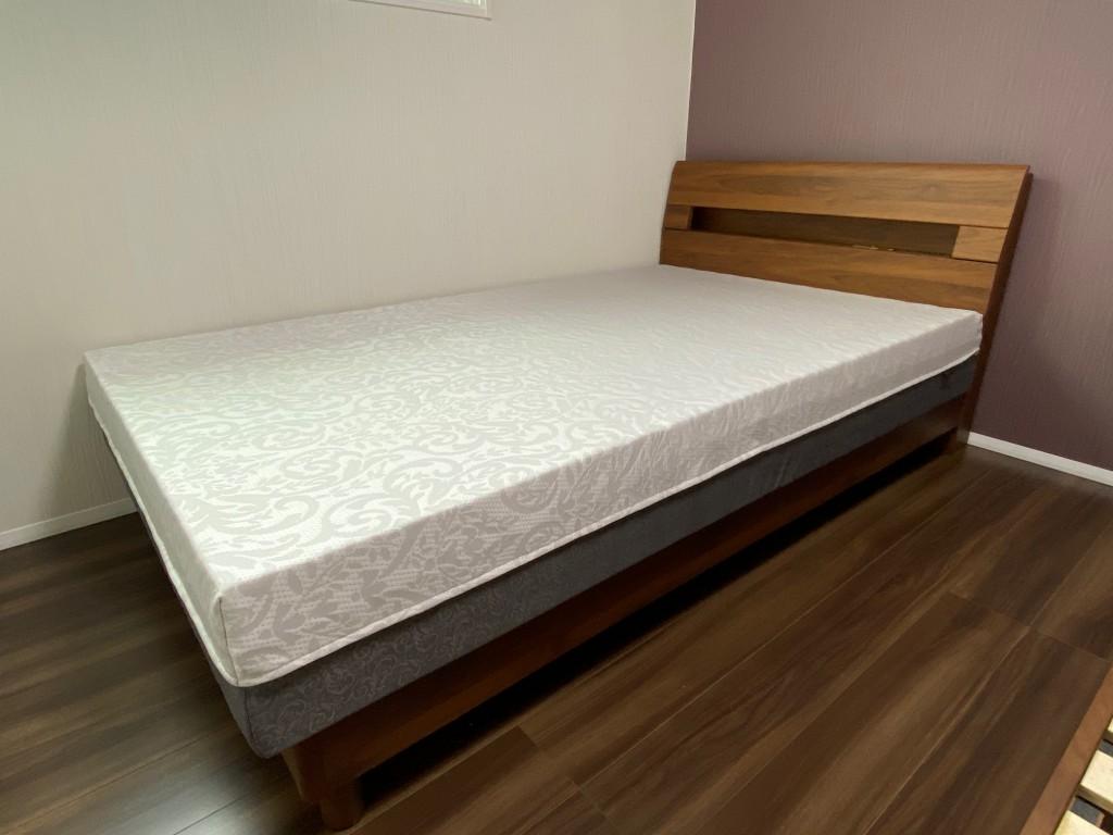 西川FITLABOプレミアムオーダーメイドマットレスは22cm厚の上質な寝心地です。