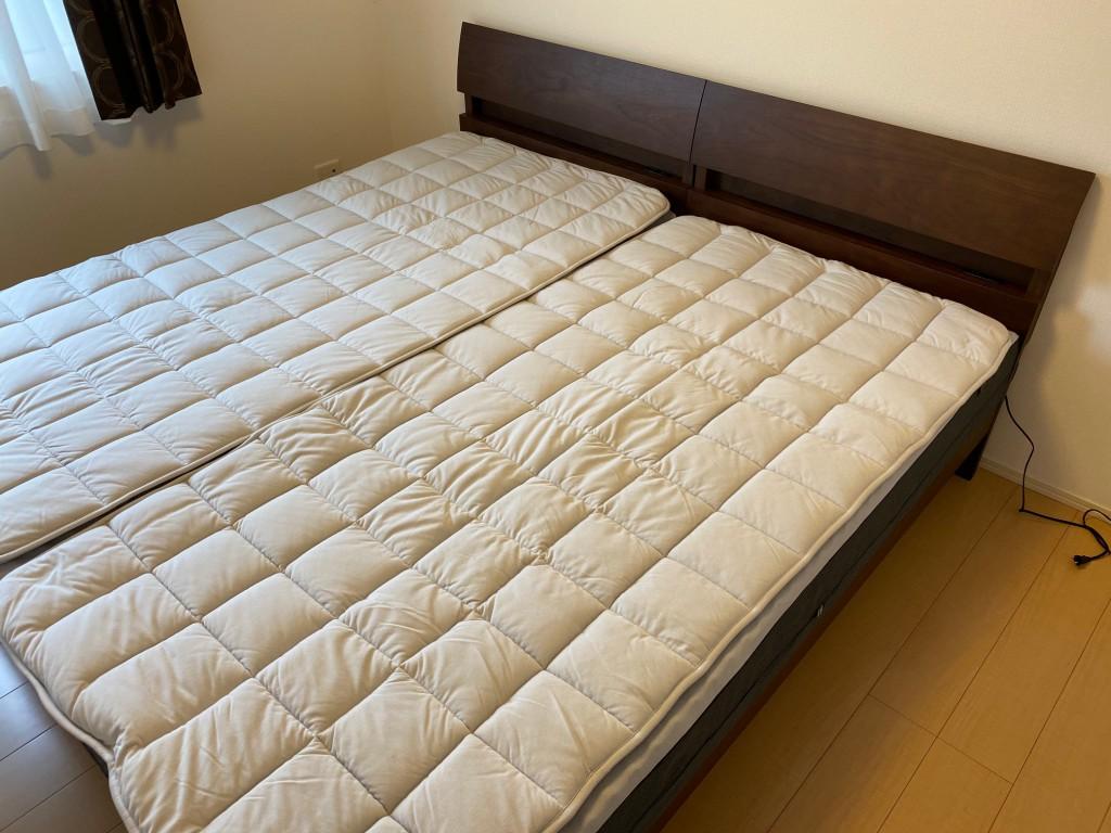 FITLABOマットレスWAVE-Σに同じくFITLABOの羊毛ベッドパッドを重ねた状態。