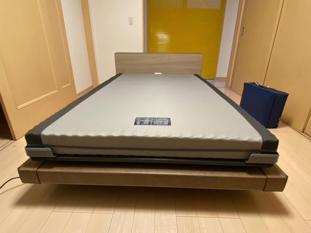 パラマウントベッドは現地で組み立てます。どんな場所でも置けますよ。