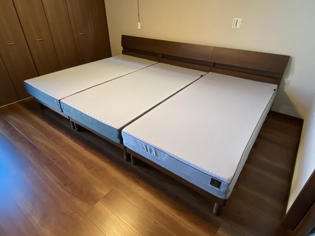 シングルベッド3台くっつければ、幅300cmの広大なベッドが出来上がります!