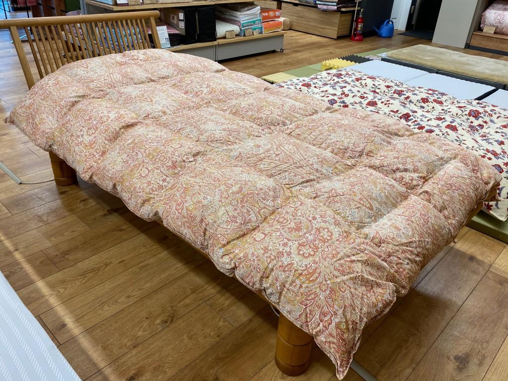ゴアテックス生地の羽毛布団。西川製で安心♪