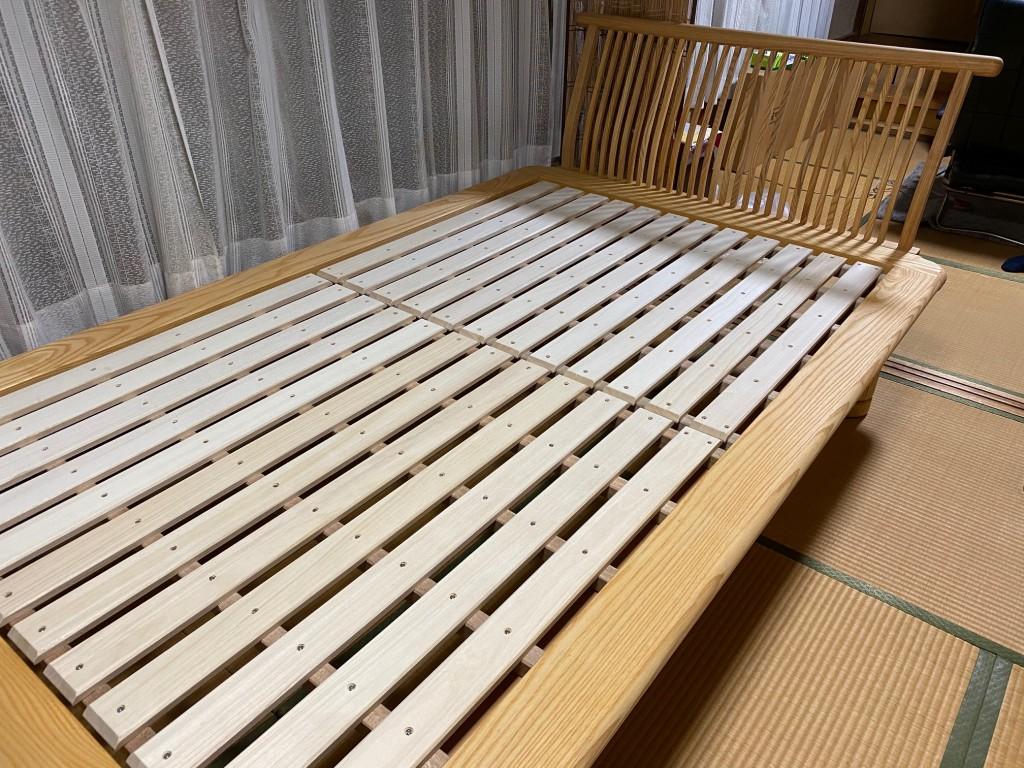 和室に合う天然木無垢材のベッド「新高間」。西川のロングヒットモデルです。