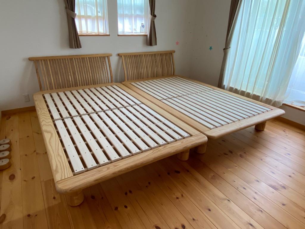 ナチュラルなお部屋には、ナチュラルな素材のベッドが良く合います。