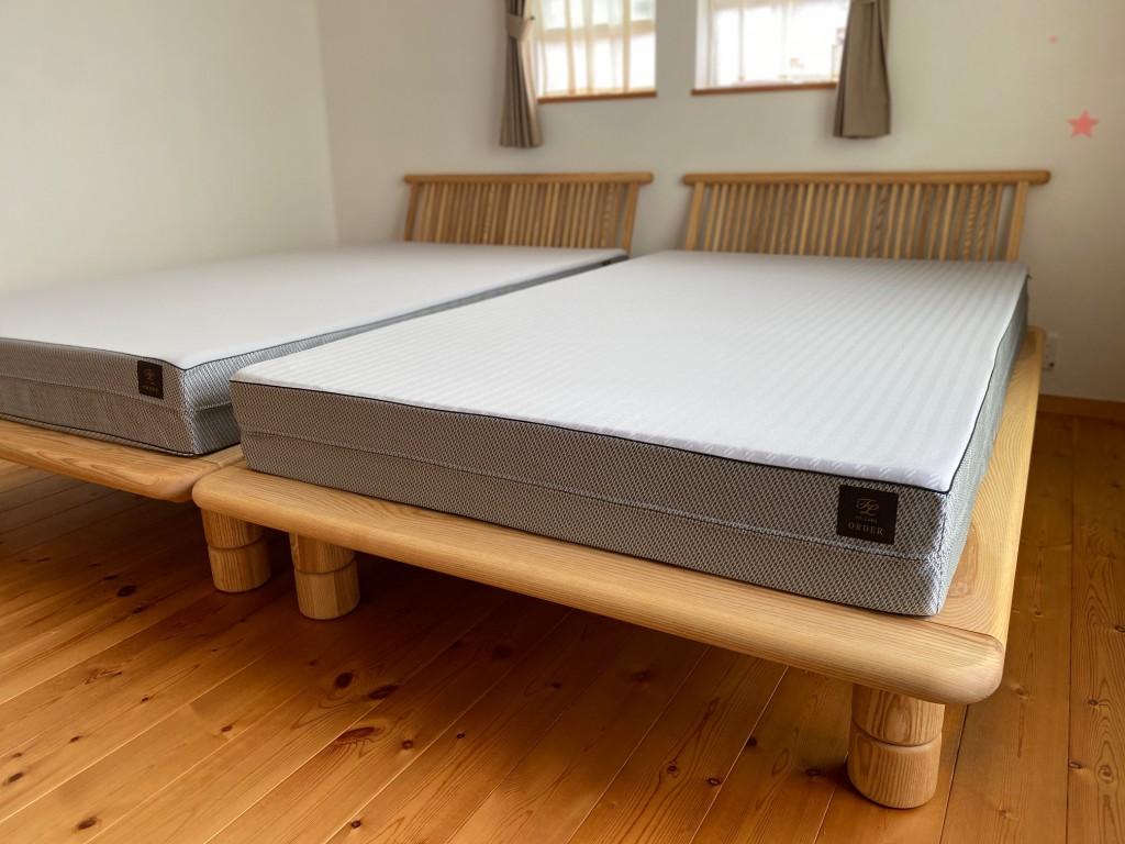 ベッド下の隙間が大きく、お掃除も簡単!脚が極太なので安定感抜群です!西川ベッドフレーム「新高間」。